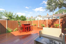 3 bed property in Langton Place, SW18