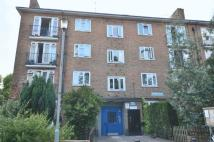 2 bed Flat to rent in Clissold Crescent, London