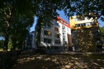 1 bedroom Apartment in Lea Bridge Road, London...