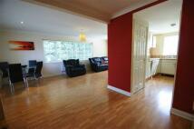2 bedroom Flat in Webton Court...