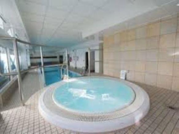 Onsite pool facility