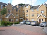 Flat to rent in Pickard Close, Southgate...