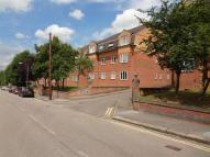 Flat to rent in Park Road, Barnet, EN4
