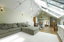 2 bed property in Flat 2, 117 Ebury Street...