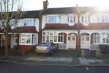 Apartment to rent in Winchmore Hill, London...