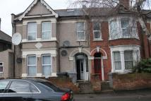 Flat to rent in Bertie Road, London, NW10
