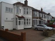 5 bedroom semi detached house in LET SUBJECT TO...