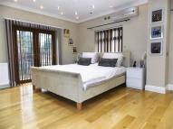 5 bedroom Detached home in Long Lane, Hillingdon...