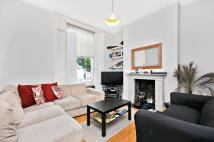 3 bedroom Maisonette in Halliford Street, London...