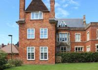 2 bed Apartment for sale in St Gabriels, Wantage