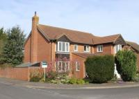 5 bed Detached property in Blenheim Gardens, Grove...