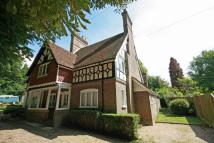 4 bedroom semi detached property in Park Street, Tring