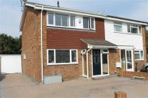 3 bed semi detached house in The Droveway, Istead Rise