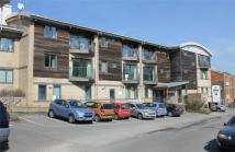 2 bedroom Flat in 13 Station Approach...