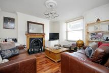 Flat to rent in Wells Road...