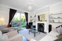 Flat in First Avenue, London, W3