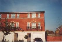 4 bed house in Reed Drive, Redhill