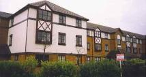 2 bed Flat to rent in Wordsworth Mead, Redhill