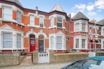 Terraced home in Lakeside Road...