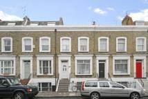 Flat to rent in Raynham Road...