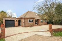 4 bed Detached house to rent in The Drive Datchet