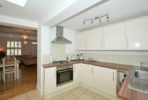 2 bedroom Cottage to rent in Helena Road Windsor