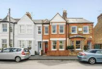 4 bed house in Queens Road Windsor
