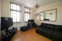 Flat to rent in Osborne Road Windsor