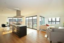 Flat for sale in Windsor Quay