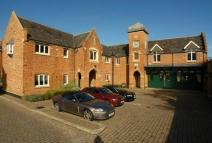 1 bed Flat to rent in Longbourn, Windsor