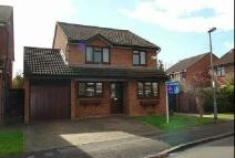 4 bed Detached home in Saxon Way Old Windsor