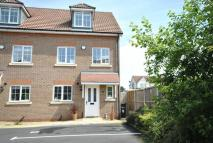 4 bed semi detached home in Rhodfa'r Llyn, Chester
