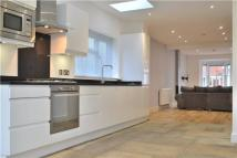 4 bed semi detached property to rent in Puller Road, Barnet...