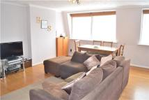 Flat to rent in Manor Road, Barnet...