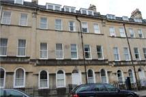Flat to rent in Henrietta Street...