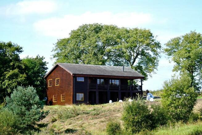 3 Bedroom Log Cabin For Sale In Glasgow G67 G67