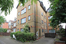 1 bedroom Studio flat to rent in Sisters Avenue, London