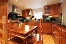 Ground Maisonette to rent in Carpenters Place, Clapham