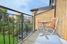 2 bedroom Flat in GREEN LANES, London, N4