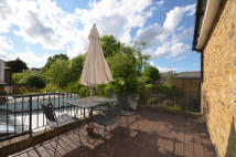 3 bed Flat to rent in Weston Park, London, N8