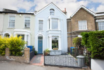Terraced home in Elm Grove, London, SE15