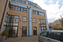 2 bed property in Empress Mews, London, SE5