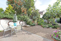 2 bed Detached home in Peckham Rye, London, SE15