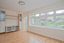 3 bed Detached home to rent in Denman Road, London, SE15