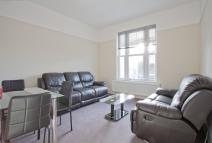 3 bed Flat in Shardeloes Road, London...