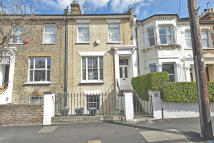 3 bed Terraced property in Bushey Hill Road, London...