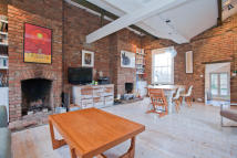 4 bed End of Terrace property in Lyndhurst Grove, London