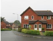 3 bedroom semi detached property to rent in Manor View, PAR
