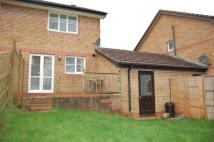 2 bedroom semi detached house in Manor View, PAR
