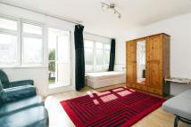 Apartment to rent in Pennyfields, Poplar...